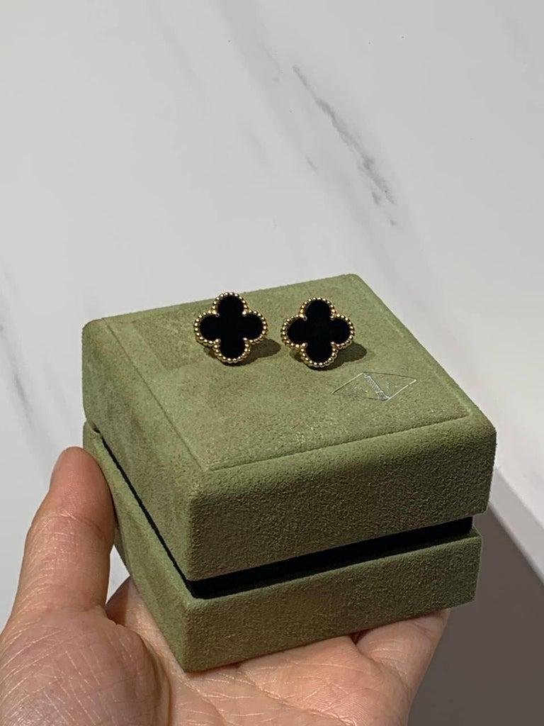 Van Cleef & Arpels Vintage Alhambra Black Onyx Yellow Gold Earrings For Sale 2
