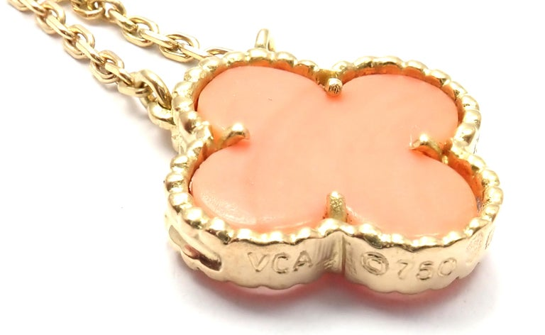 Van Cleef & Arpels Vintage Alhambra Coral Yellow Gold Pendant Necklace In Excellent Condition For Sale In Holland, PA