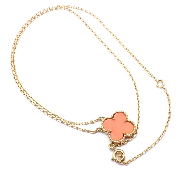Van Cleef & Arpels Vintage Alhambra Coral Yellow Gold Pendant Necklace For Sale 1