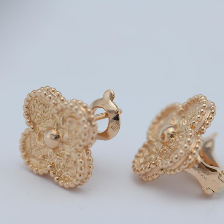 Van Cleef & Arpels Vintage Alhambra Gold Earrings Medium Size with Box and Card For Sale 3
