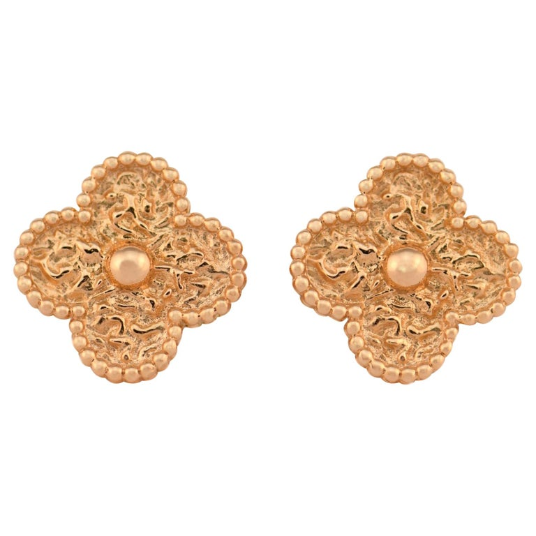 Van Cleef & Arpels Vintage Alhambra Gold Earrings Medium Size with Box and Card For Sale