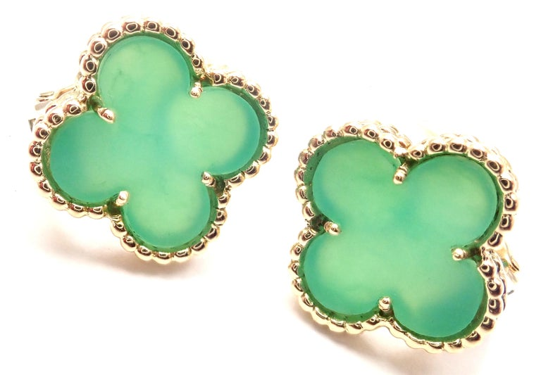 Van Cleef & Arpels Vintage Alhambra Green Chalcedony Yellow Gold Earrings For Sale 2