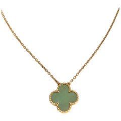 Van Cleef & Arpels Vintage Alhambra Green Jade 18 Karat Yellow Gold Necklace