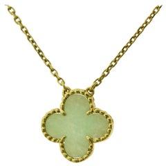 Van Cleef & Arpels Vintage Alhambra Jade 1 Motif 18 Karat Gold Pendant Necklace