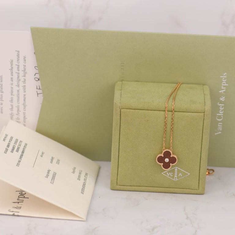 Van Cleef & Arpels Vintage Alhambra Limited Edition Bullseye Pendant Necklace In Excellent Condition For Sale In Banbury, GB