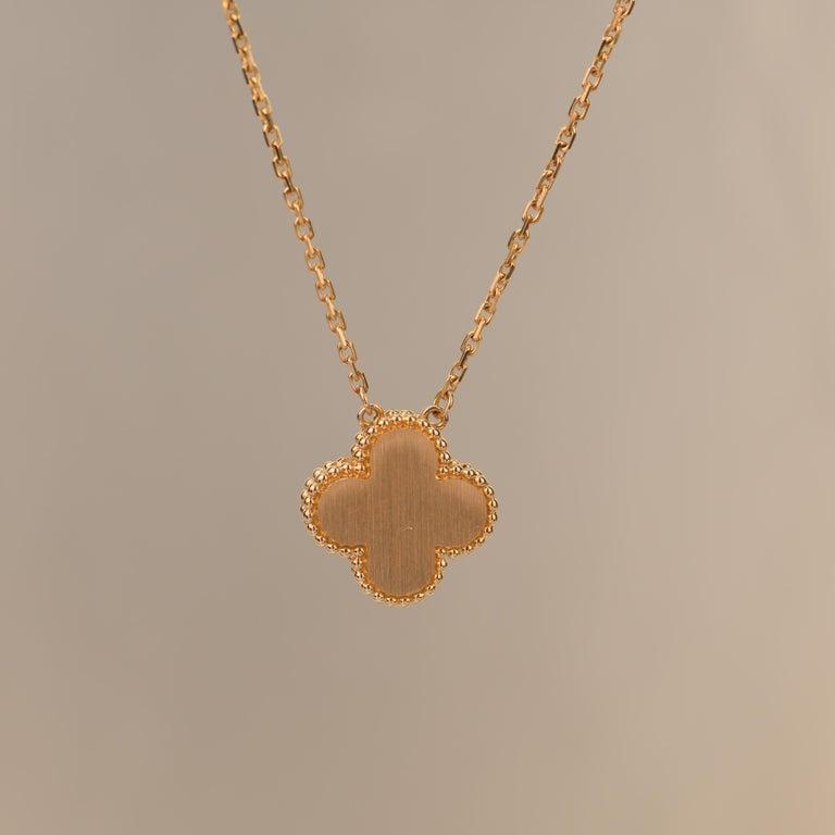 Van Cleef & Arpels Vintage Alhambra Limited Edition Bullseye Pendant Necklace For Sale 1