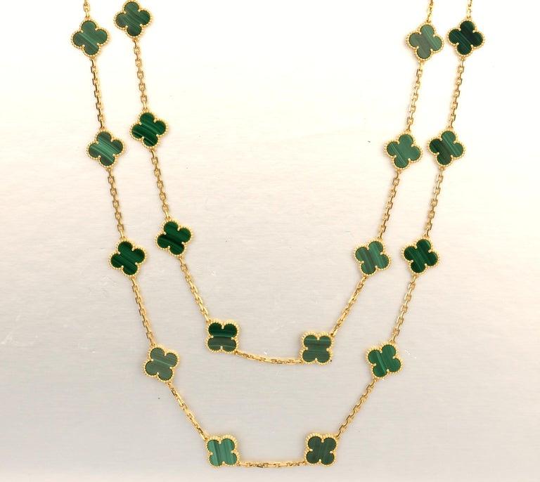 Van Cleef & Arpels Vintage Alhambra Malachite 20 Motif Gold Necklace For Sale 5