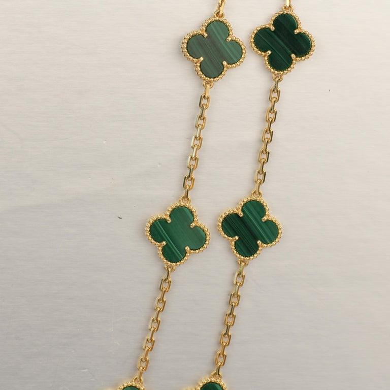 Van Cleef & Arpels Vintage Alhambra Malachite 20 Motif Gold Necklace For Sale 4