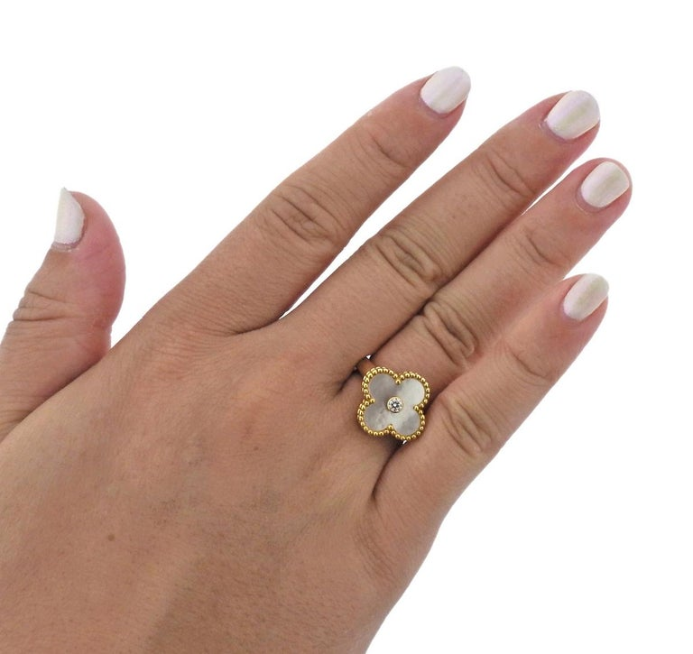 Van Cleef & Arpels Vintage Alhambra Mother-of-Pearl Diamond Gold Ring For Sale 1