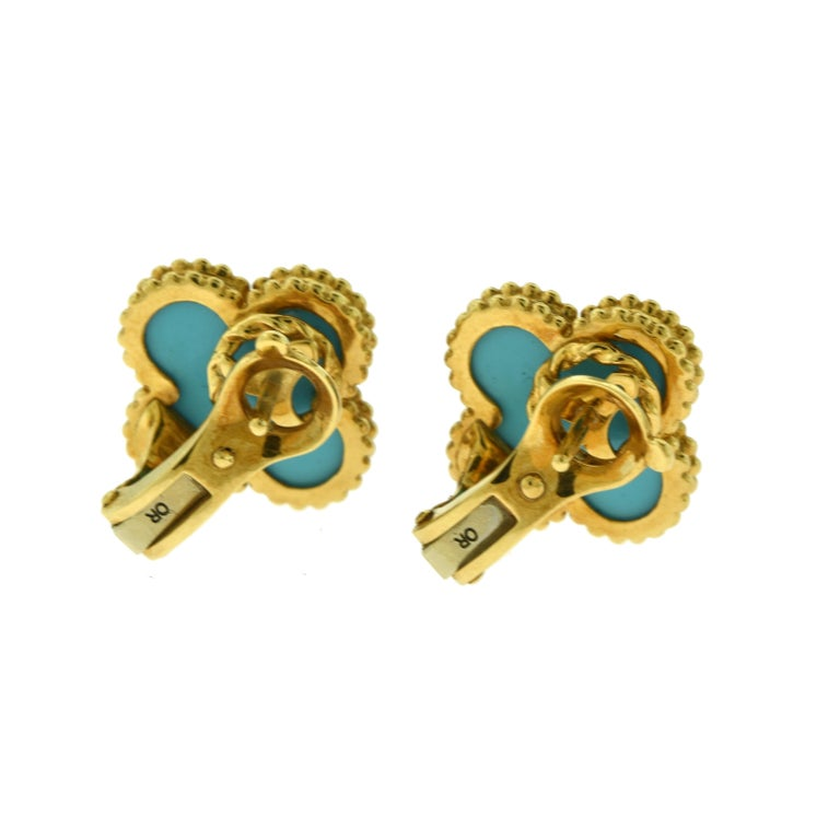 Van Cleef & Arpels Vintage Alhambra Turquoise Yellow Gold Earrings, Rare In Good Condition For Sale In Miami, FL