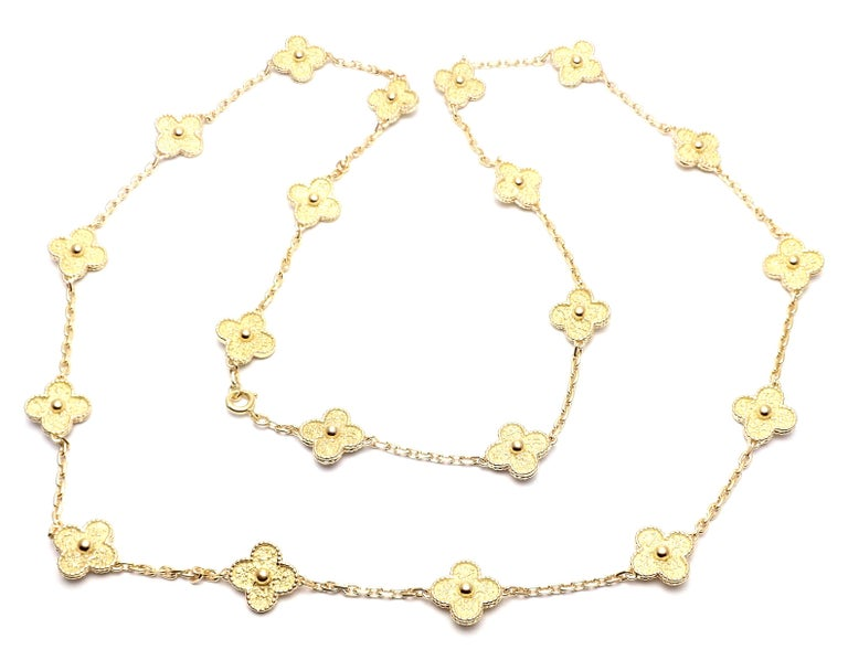 Van Cleef & Arpels Vintage Alhambra Yellow Gold 20 Motif Necklace In Excellent Condition For Sale In Holland, PA