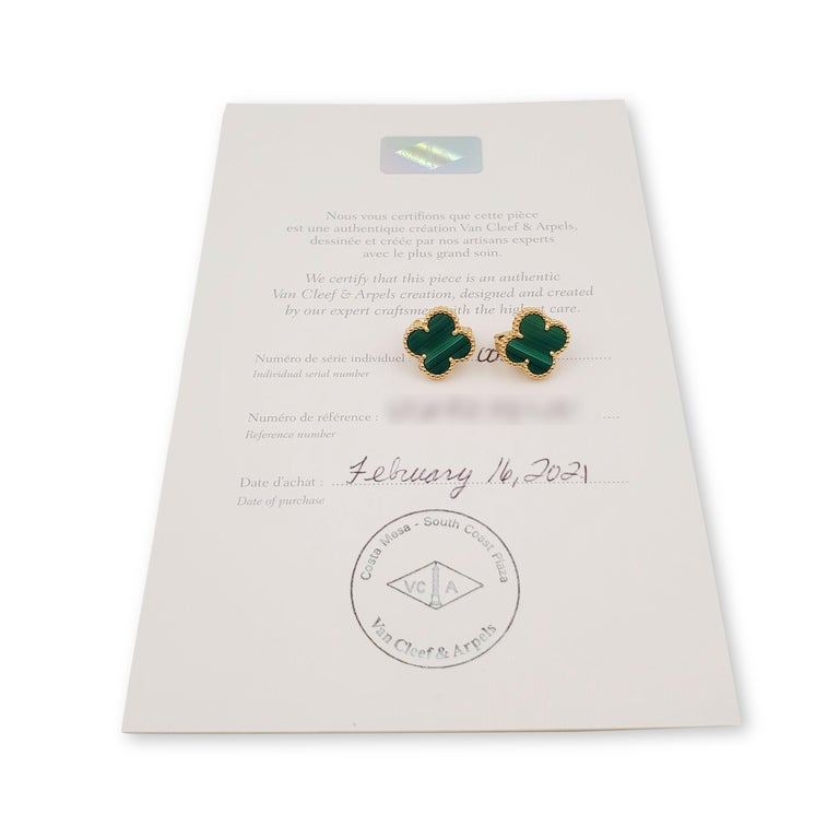 Women's or Men's Van Cleef & Arpels Vintage Alhambra Yellow Gold and Malachite Earrings