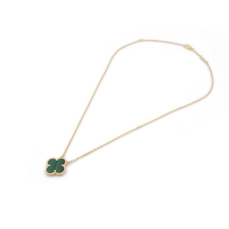 Round Cut Van Cleef & Arpels Vintage 'Alhambra' Yellow Gold and Malachite Necklace For Sale