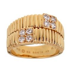 Van Cleef & Arpels Vintage Gold Ribbed Diamond Ring