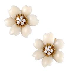 Van Cleef & Arpels Vintage Rose de Noël 18 Karat Gold Diamond and White Coral