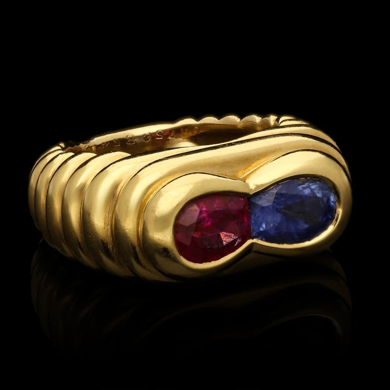 Van Cleef & Arpels, Vintage Ruby & Sapphire Dress Ring, circa 1960s In Excellent Condition For Sale In London, GB