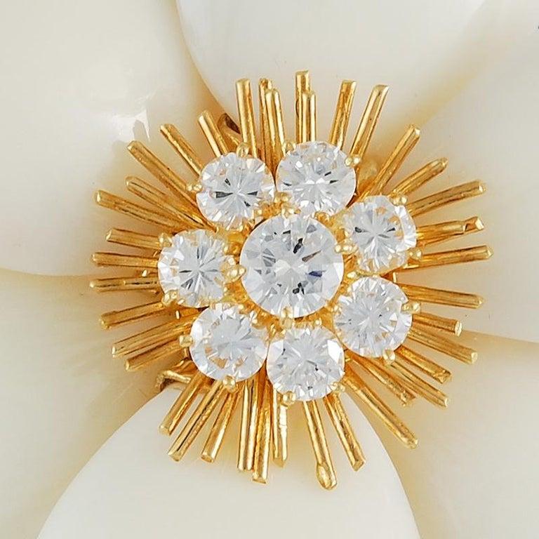 Round Cut Van Cleef & Arpels Diamond White Coral Yellow Gold Rose de Noël Brooch For Sale