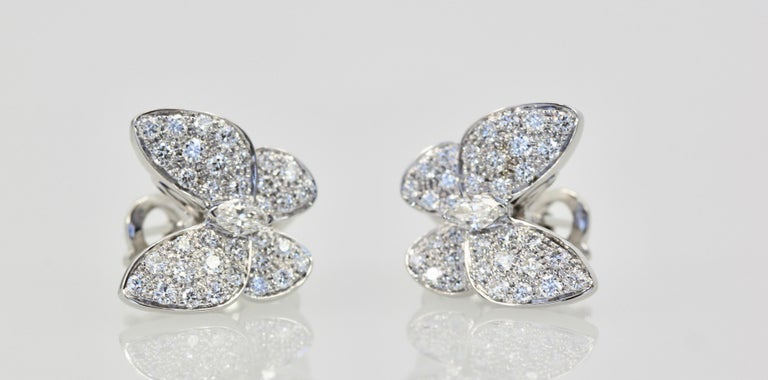Round Cut Van Cleef & Arpels White Diamond Butterfly Earrings 18 Karat White Gold For Sale
