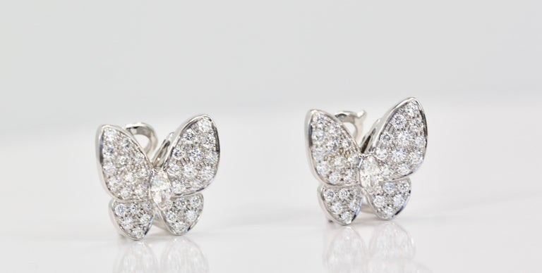 Van Cleef & Arpels White Diamond Butterfly Earrings 18 Karat White Gold In Excellent Condition For Sale In North Hollywood, CA