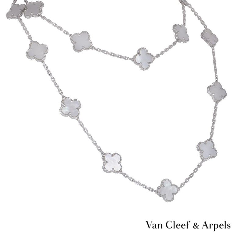 Van Cleef & Arpels White Gold Vintage Alhambra Necklace VCARF48800 In Excellent Condition For Sale In London, GB