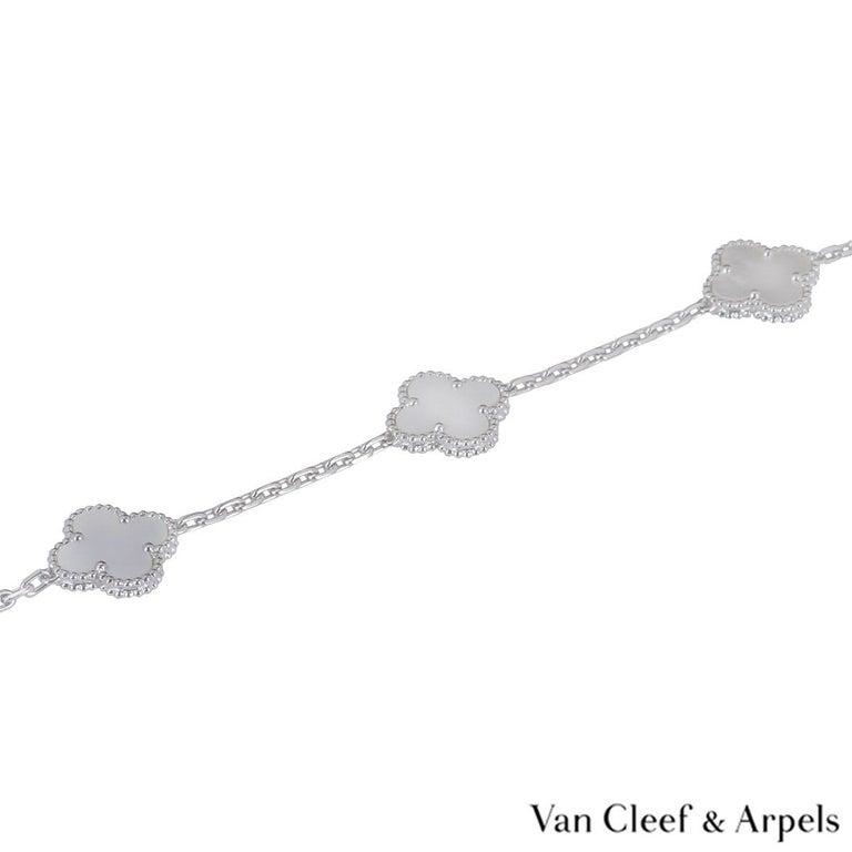 Women's Van Cleef & Arpels White Gold Vintage Alhambra Necklace VCARF48800 For Sale