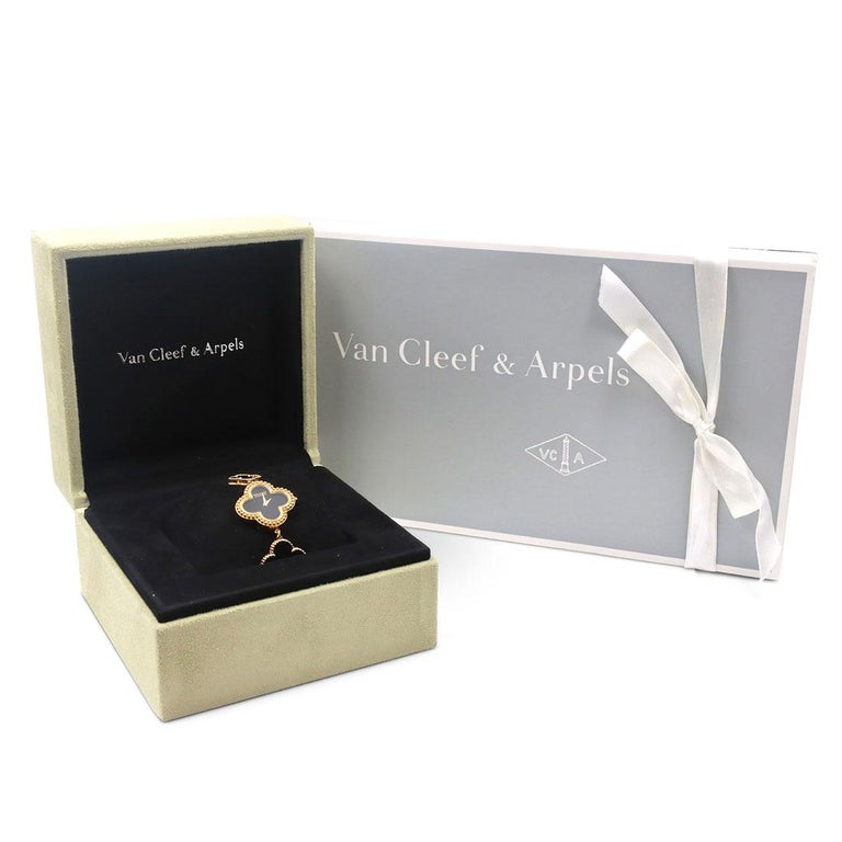Van Cleef & Arpels Yellow Gold and Onyx Alhambra Watch, Small Model For Sale 4