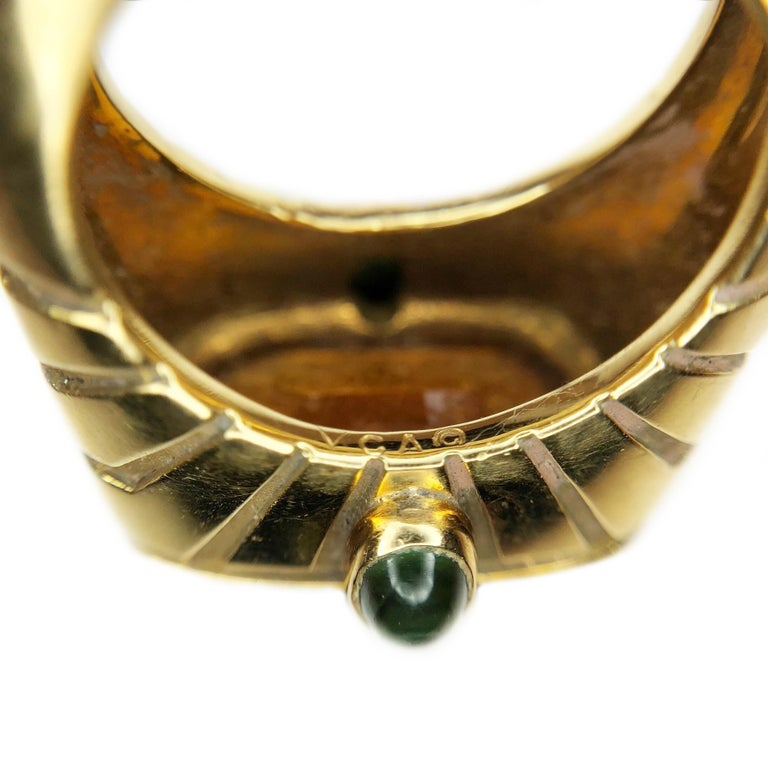 Women's Van Cleef & Arpels Yellow Gold and Topaz Ring For Sale