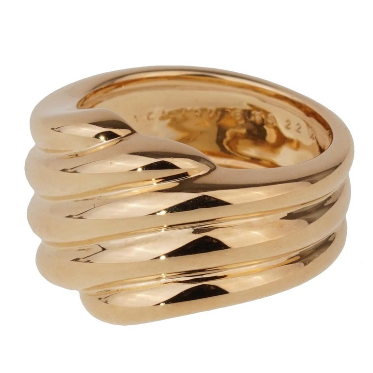 Women's Van Cleef & Arpels Yellow Gold Cocktail Ring For Sale