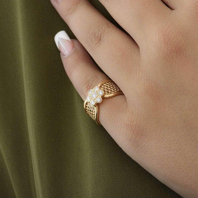 Women's Van Cleef & Arpels Yellow Gold Diamond Fleurette Ring For Sale