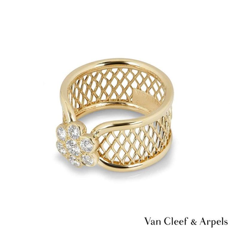 Van Cleef & Arpels Yellow Gold Diamond Fleurette Ring For Sale 2