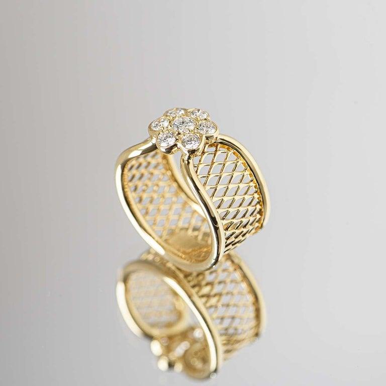 Van Cleef & Arpels Yellow Gold Diamond Fleurette Ring For Sale 3