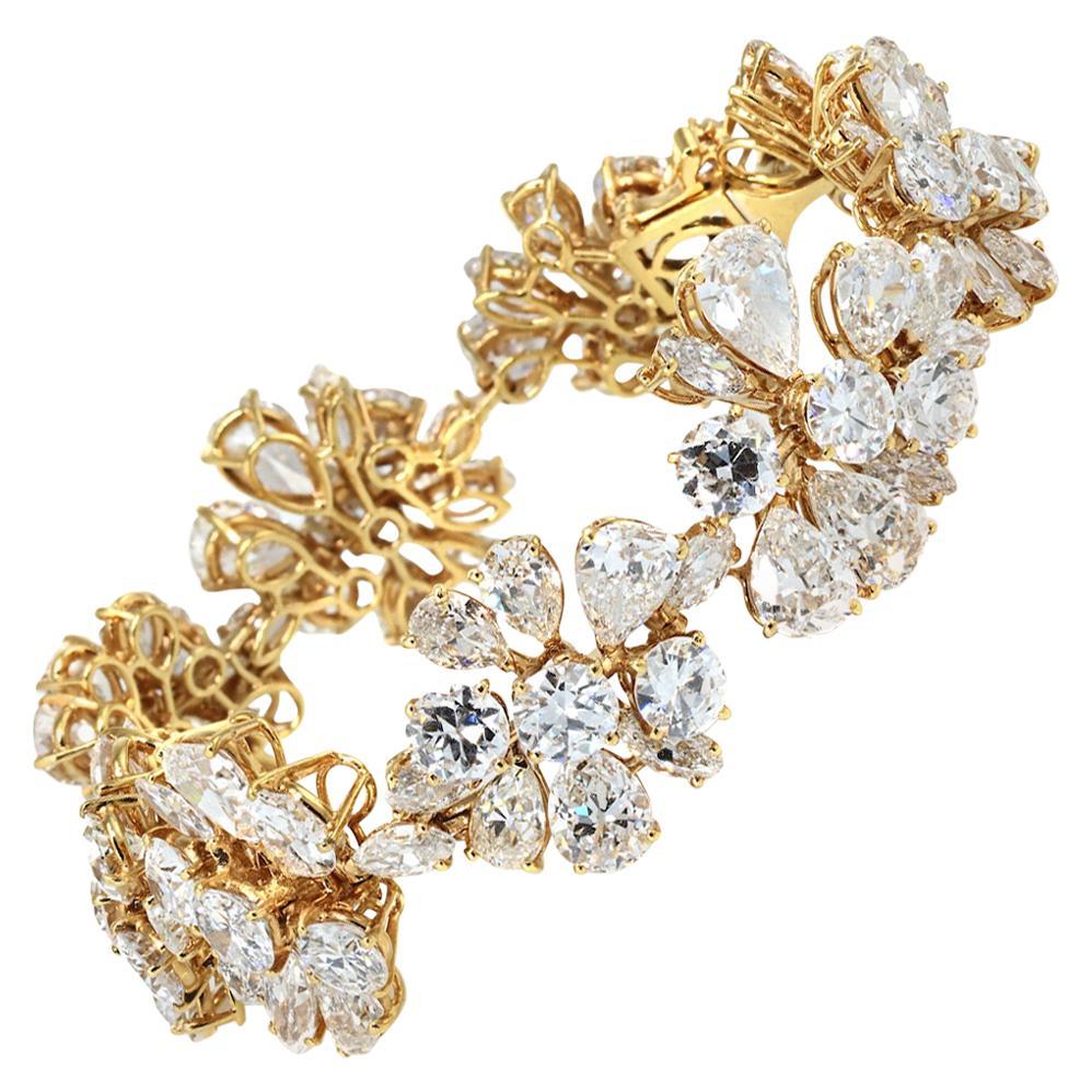 Van Cleef & Arpels Yellow Gold Floral Motif 47.50 Carat Fancy Diamond Bracelet