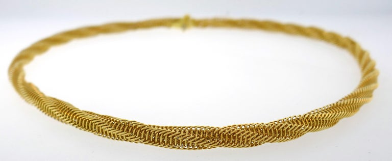 Van Cleef & Arpels Yellow Gold Necklace In Good Condition In Beverly Hills, CA
