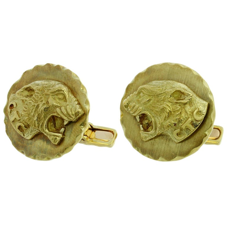 Van Cleef & Arpels Yellow Gold Panther Cufflinks In Excellent Condition For Sale In New York, NY