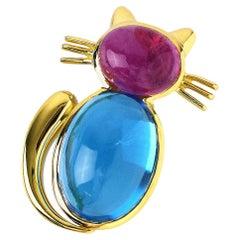 Van Cleef & Arpels Yellow Gold Pink Tourmaline Blue Topaz Cat Motif Clip Brooch