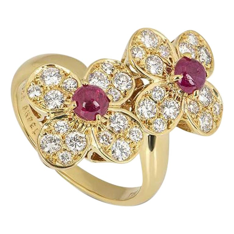 Van Cleef & Arpels Yellow Gold Trefle Ring For Sale