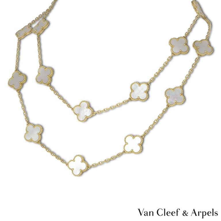 Van Cleef & Arpels Yellow Gold Vintage Alhambra Necklace VCARA42100 In Excellent Condition For Sale In London, GB