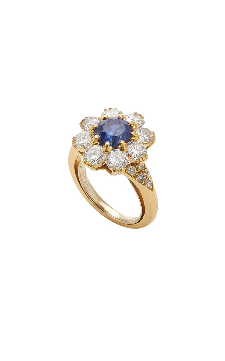 Van Cleef Rosetta Sapphire Diamond Ring In Good Condition For Sale In New York, NY