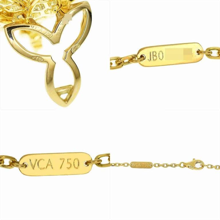 Van Cleef & Arpels Diamonds 18 Karat Yellow Gold Lotus Clip Pendant Necklace In Good Condition For Sale In Tokyo, JP