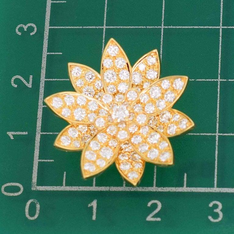 Van Cleef & Arpels Diamonds 18 Karat Yellow Gold Lotus Clip Pendant Necklace For Sale 1