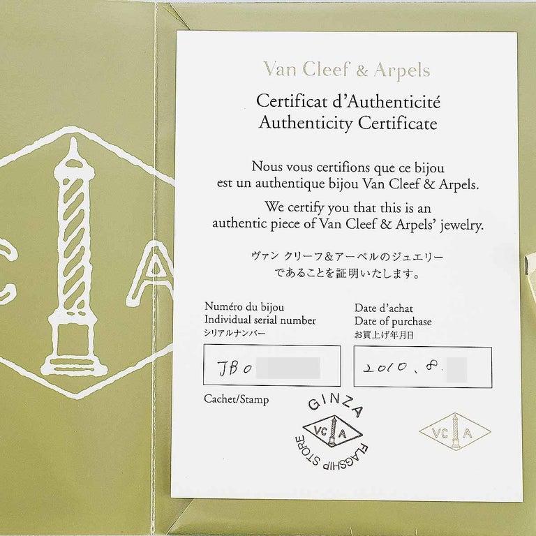 Van Cleef & Arpels Diamonds 18 Karat Yellow Gold Lotus Clip Pendant Necklace For Sale 4