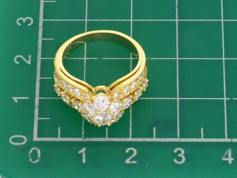 Van Cleef & Arpels Snowflake Diamond 18 Karat Yellow Gold Ring US 51/2 For Sale 2