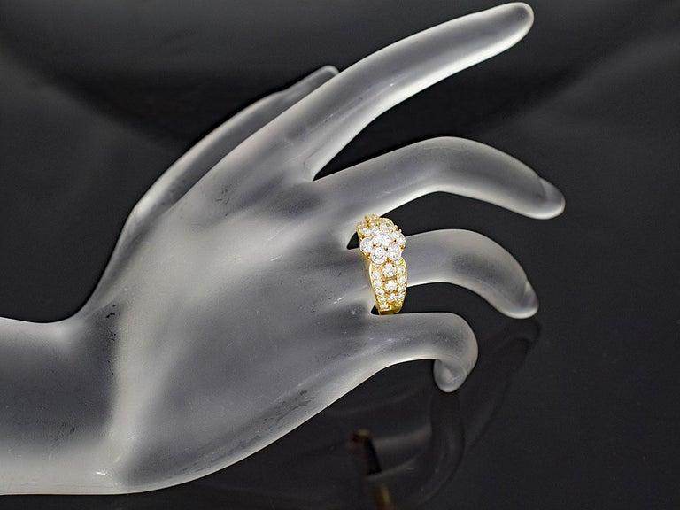 Van Cleef & Arpels Snowflake Diamond 18 Karat Yellow Gold Ring US 51/2 For Sale 3