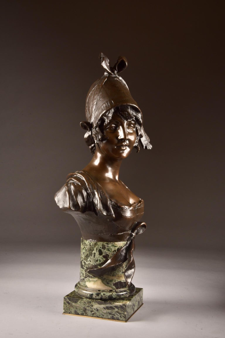 French Van der Straeten, Large 3-Part Set of Bronze Bust with 2 Cassoltes For Sale