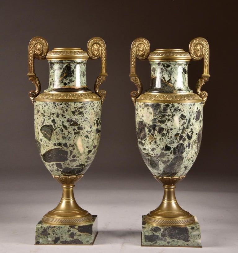 Van der Straeten, Large 3-Part Set of Bronze Bust with 2 Cassoltes For Sale 1