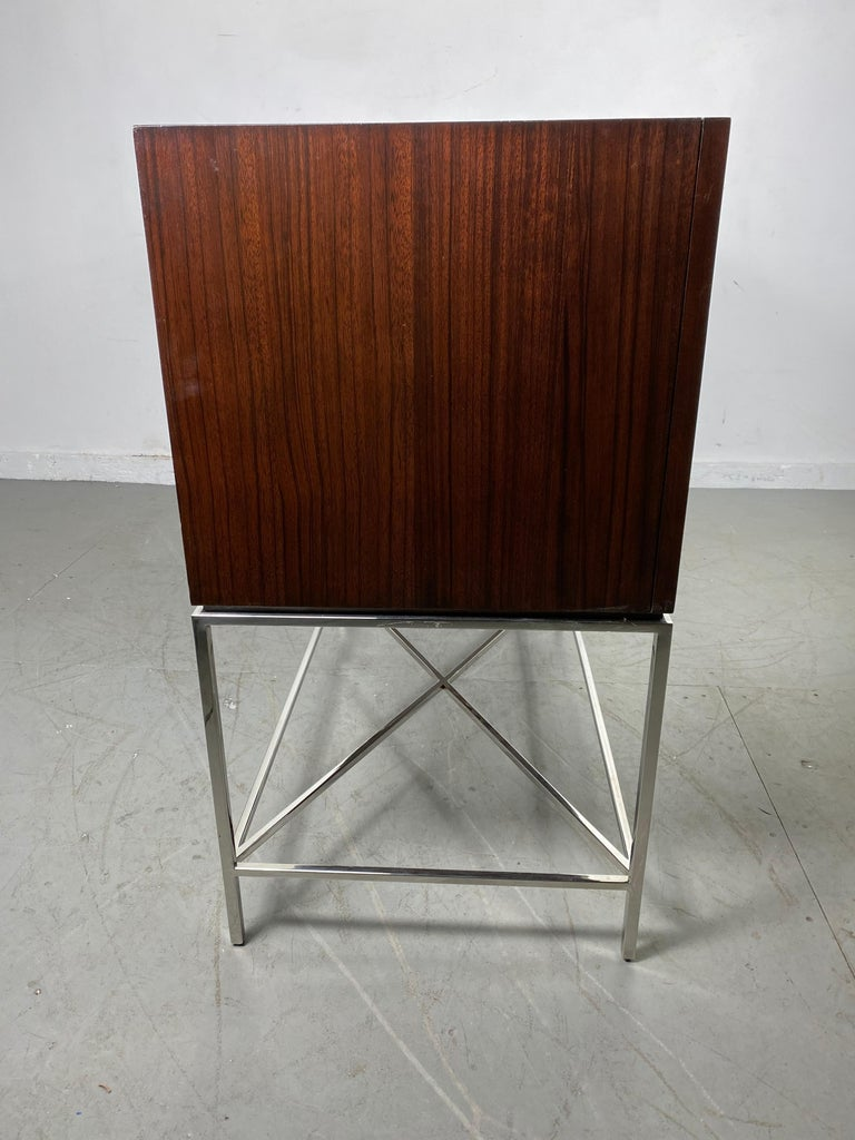Vanguard Furniture, Michael Weiss, Kingsley Sideboard / Contemporary Modern In Good Condition For Sale In Buffalo, NY