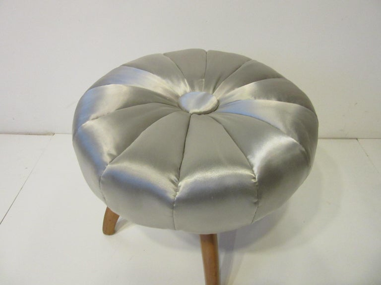 Vanity Pouffe / Stool by Heywood Wakefield for the Kohinoor Collection In Good Condition In Cincinnati, OH