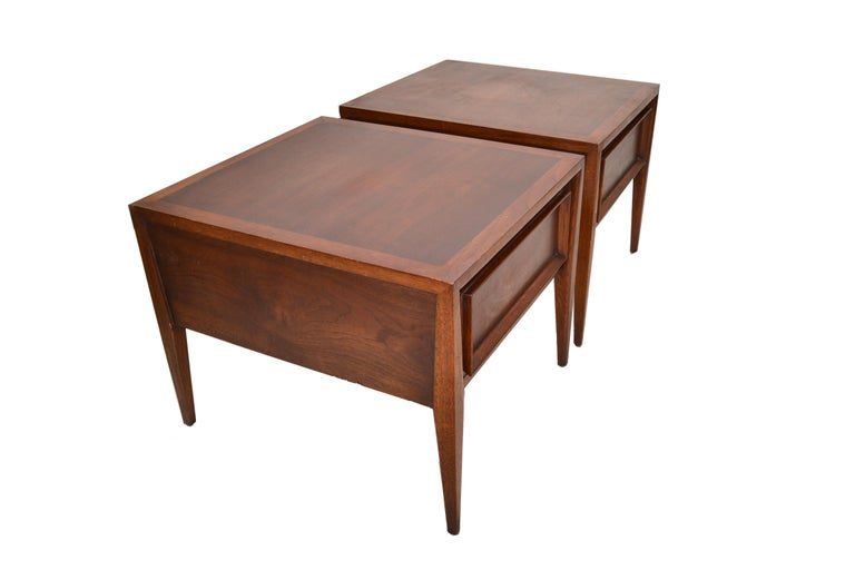 Vanleigh Walnut Night Stand, Bedside Tables American Mid-Century Modern, Pair For Sale 7