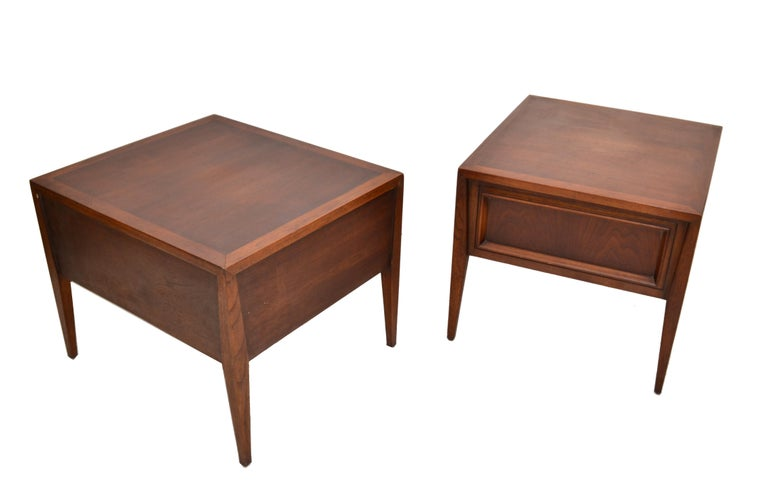 Vanleigh Walnut Night Stand, Bedside Tables American Mid-Century Modern, Pair For Sale 1