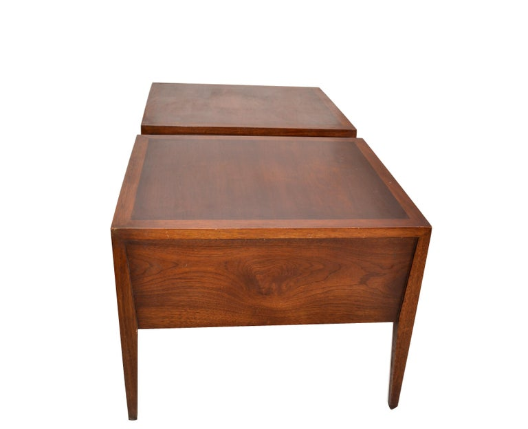 Vanleigh Walnut Night Stand, Bedside Tables American Mid-Century Modern, Pair For Sale 3